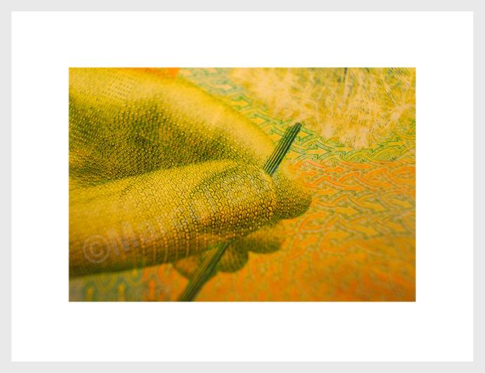 eaudesuisse banknotenprojekt-gelb-finger 3